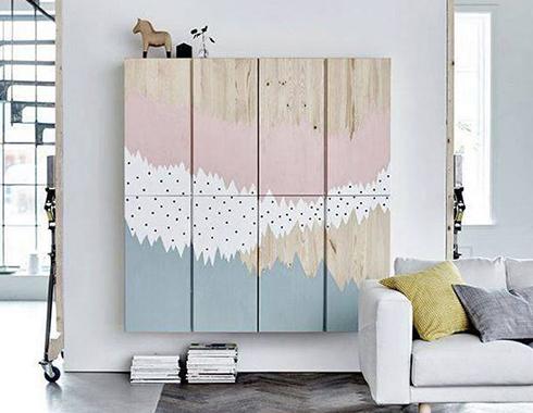 szafki w pokoju pomalowane farbą kredową